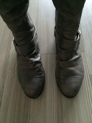 Stiefel gut erhalten