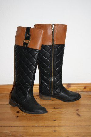 Stiefel im Reiterlook