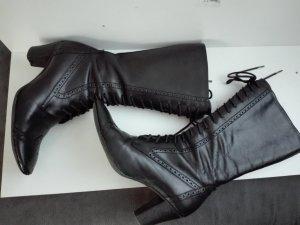 Stiefel in schwarzer echte leder mit einem Reißverschluss und Schnürsenkel