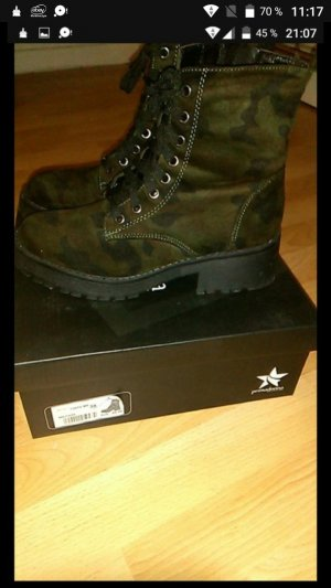 Stiefel mit Camouflage Muster