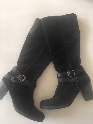 Stiefel mit Dekoschnallen