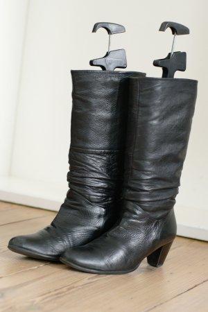 Stiefel mit elastischem Bund