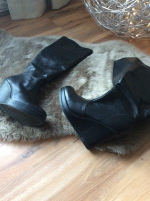 Stiefel mit Keilabsatz sehr bequem