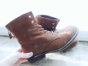 Stiefel mit Reißverschluss zum Schnüren