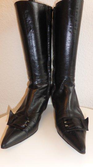 Stiefel mit Schleife