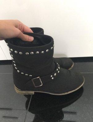 Stiefel Nieten schwarz