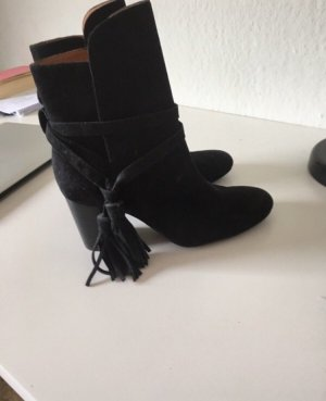 Stiefel & Other stories