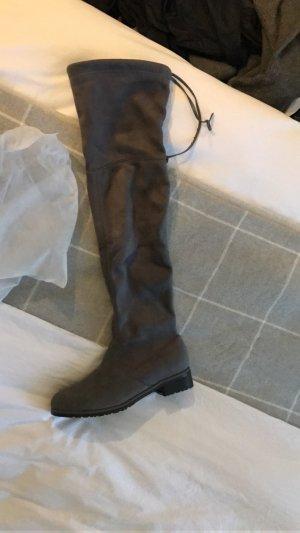 Stiefel Overknees High Fashion grau perfekter Sitz für schmale Waden