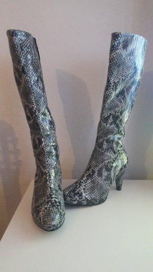 Stiefel Schlangenmuster
