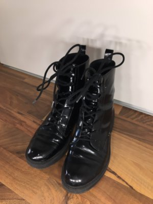 Bershka Bottines à lacets noir
