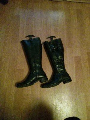 Stiefel schwarz bis kurz unters Knie