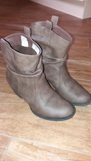 Stiefel / Stiefeletten / Boots, Citywalk, Gr. 39, braun