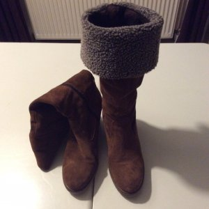 Stiefel Tamaris aus Wildleder, Größe 39, gefüttert, mit Absatz