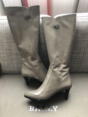Stiefel von Bally, 38, grau lackiert, neu.