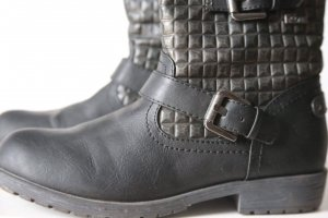 s.Oliver Short Boots black-silver-colored