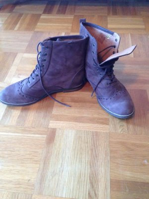 Stiefel von Scholl, Echtes Leder