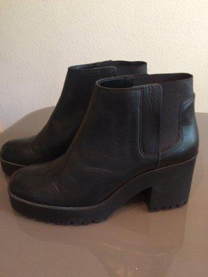 Stiefel von ZARA Größe 41