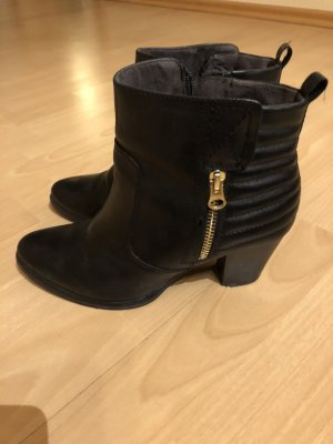 Tamaris Peep Toe Booties black