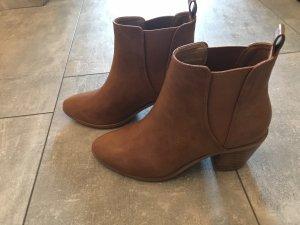 Booties light brown