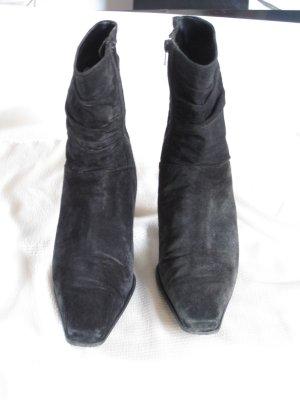 Zipper Booties black suede