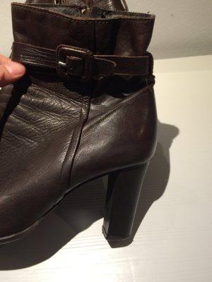 Stiefelette Leder braun, hoher Absatz, nicht abgelaufen