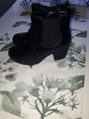 Graceland Platform Booties black