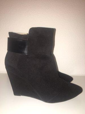 Zara Trafaluc Wedge Booties black