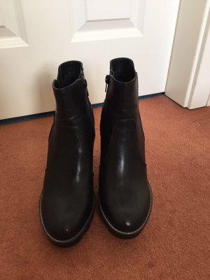 Stiefelette schwarz Größe 39