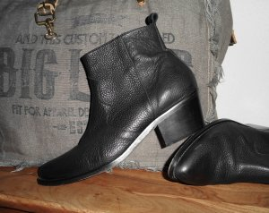 Urban Outfitters Laarsjes met rits zwart Leer