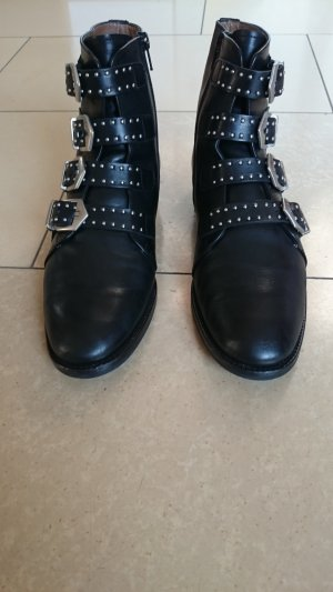 Pertini Zipper Booties black leather