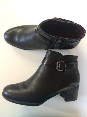 Stiefelette schwarz mit Schnalle