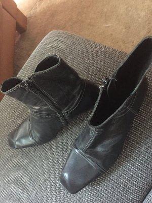 Stiefelette schwarz von Geox, kaum getragen!