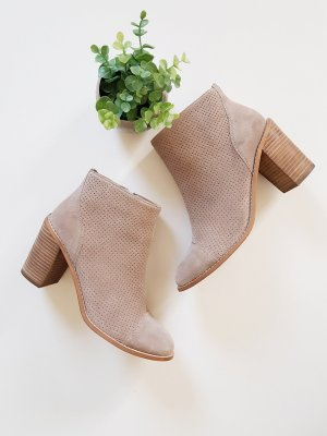 Cox Booties taupe-grey brown