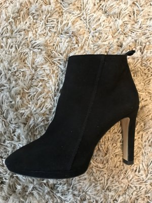 Zara Zipper Booties black leather