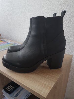 & other stories Booties black