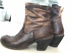 Western Booties light brown