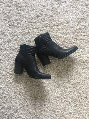 Graceland Booties black