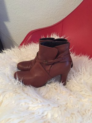 Madeleine Booties cognac-coloured leather