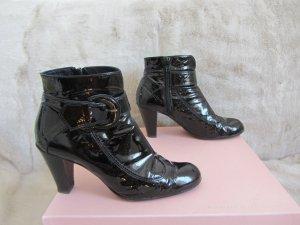 Stiefeletten aus schwarzem Lackleder, Gr. 37