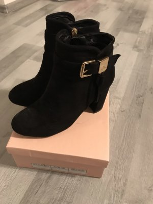 Peep Toe Booties black