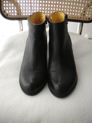 Stiefeletten Booties von BUFFALO Gr. 40 schwarz Leder