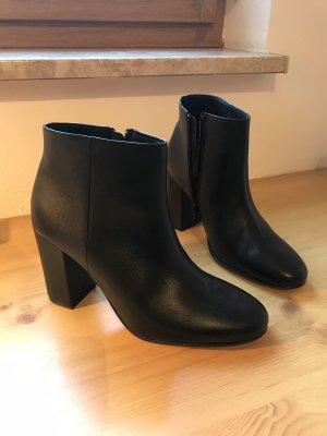Stiefeletten Boots Ankleboots Leder schwarz