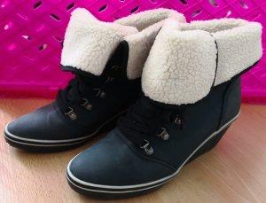 Stiefeletten / Boots / Schuhe Esprit