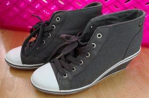 Stiefeletten / Boots / Schuhe, Graceland, Gr. 39, grau
