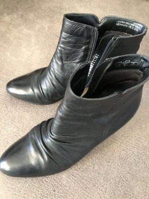 Fabiani Zipper Booties black