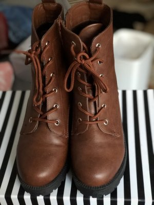 Lace-up Booties cognac-coloured