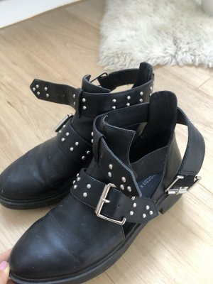 H&M Cut Out Booties black imitation leather