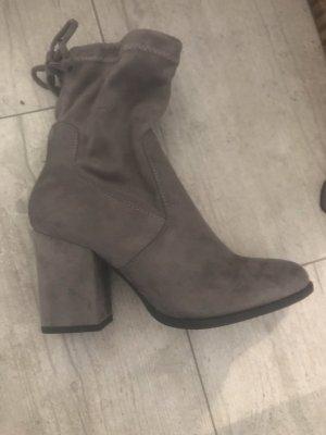 Colloseum Platform Booties grey