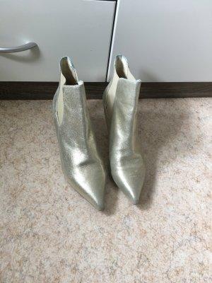 Stiefeletten im metallischen Look vom Buffalo