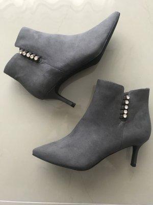 Stiefeletten in Farbe Grau